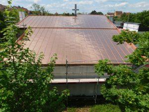 fertiges Kupfer Kirchendach mit Doppelstehfalzeindeckung